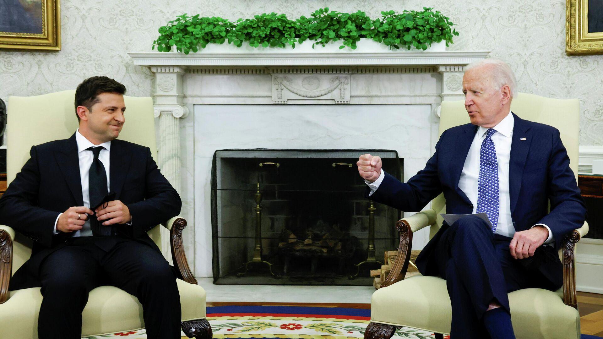 Владимир Зеленский и Джо Байден во время встречи в Белом доме - РИА Новости, 1920, 07.09.2021