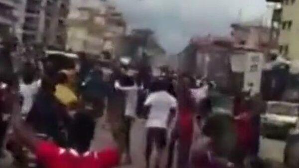 Крики на улицах столицы Гвинеи после попытки военного переворота