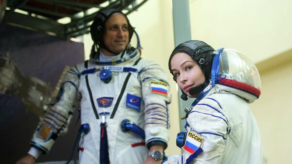 Актриса Юлия Пересильд и космонавт Антон Шкаплеров сдали первые экзамены перед полетом на МКС
