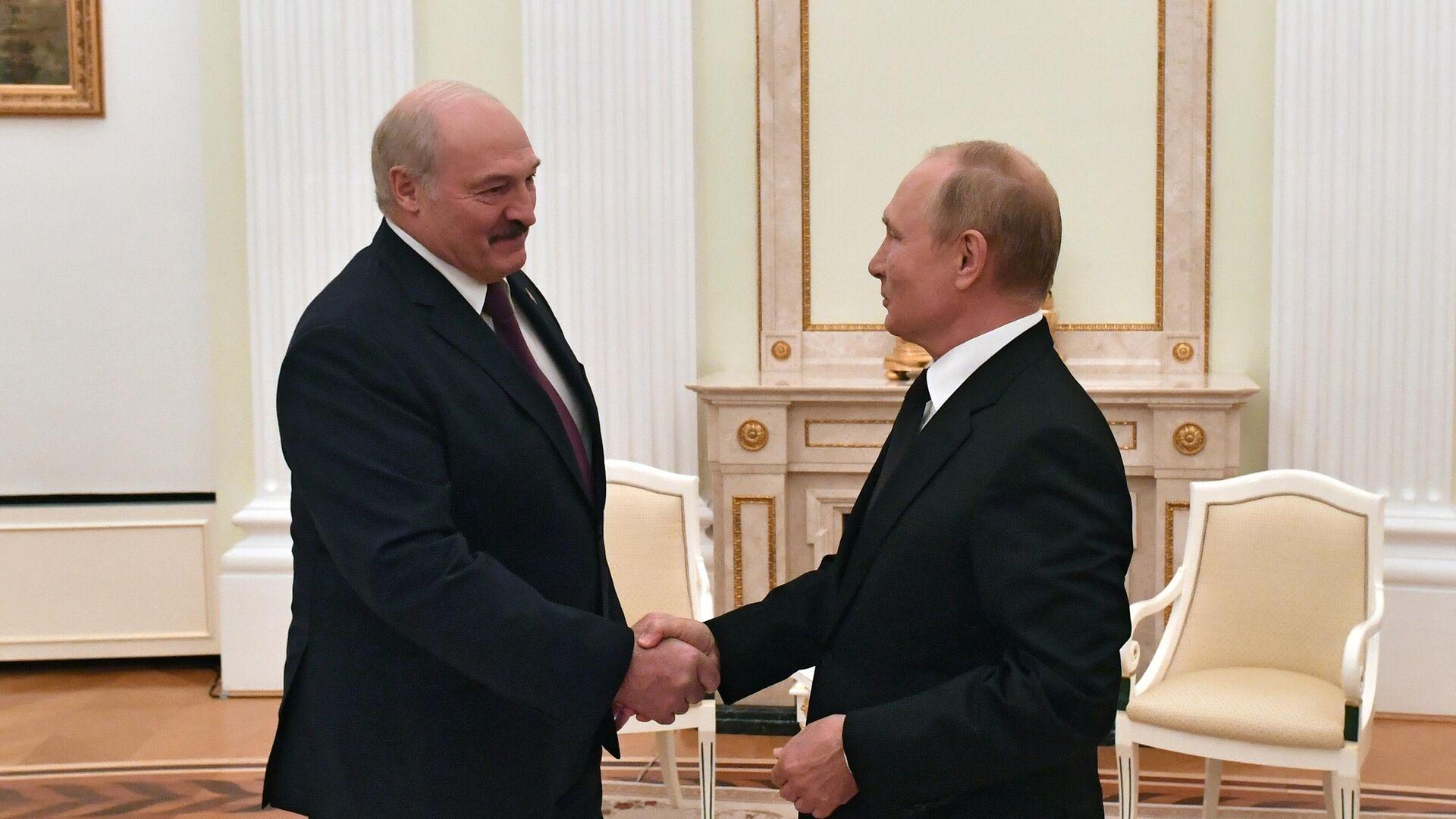 Президент Путин усмехнулся после слов Лукашенко о поглощении Белоруссии