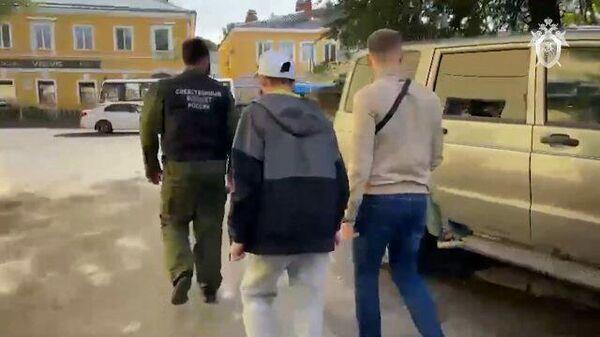 Работа следователей по делу о пропаже 10-летней девочки в Ленинградской области. Кадры СК РФ