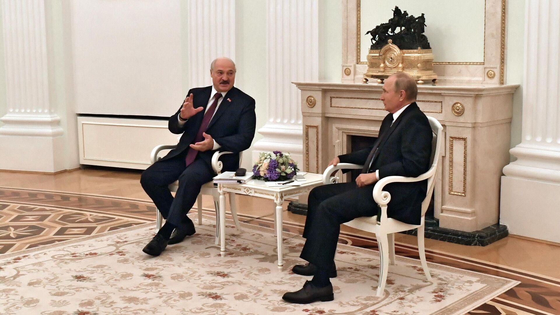 Президент РФ Владимир Путин и президент Белоруссии Александр Лукашенко во время встречи в Москве  - РИА Новости, 1920, 12.09.2021