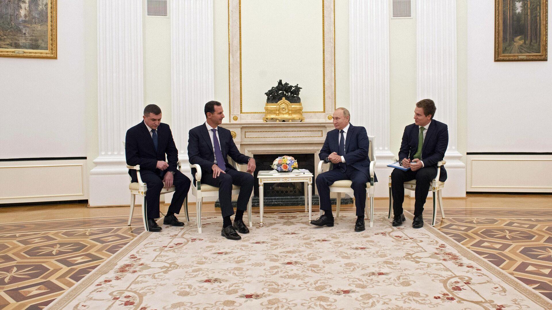 Президент РФ Владимир Путин и президент Сирии Башар Асад во время встречи - РИА Новости, 1920, 14.09.2021