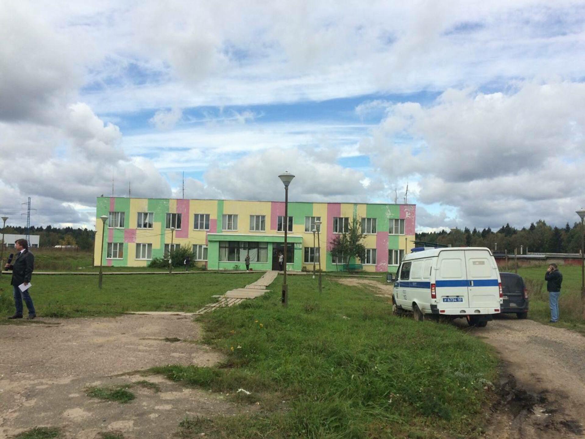 Полиция возле общежития мигрантов - ПРОФИ Новости, 1920, 14.09.2021
