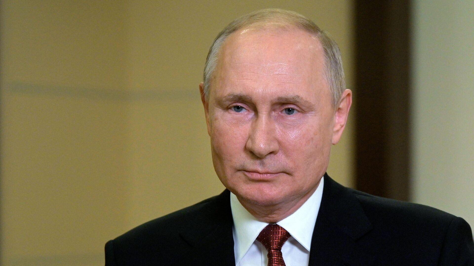 1750263911 0:28:3038:1737 1920x0 80 0 0 7a2620fbc0238739ad42809ea9d0981f - Путин: переезд штаб-квартиры Газпрома в Петербург даст городу миллиарды рублей доходов