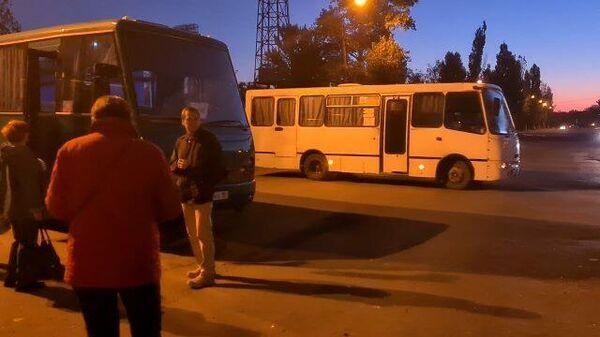 Жители Луганска едут в России проголосовать на выборах в Госдуму