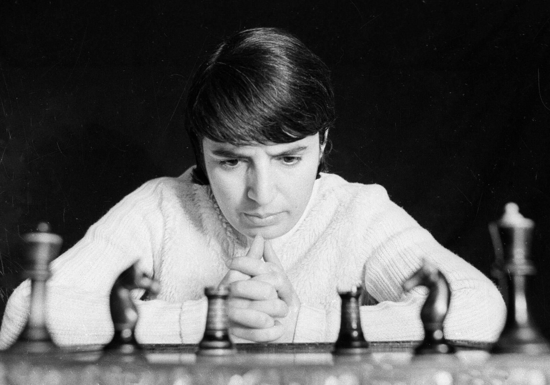 "1750495953 0:0:2922:2047 1920x0 80 0 0 9f2536720084d982c319d695329e88ff - Советская шахматистка подала в суд на создателей ""Хода королевы"""