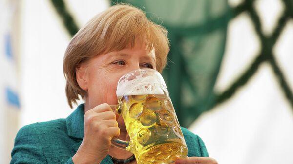 Канцлер Германии Ангела Меркель на фестивале в Мюнхене