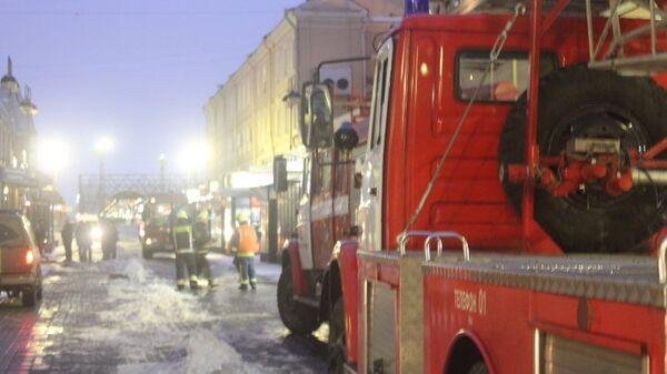 Пожар в здании у Московского вокзала в Петербурге. Фото с места события