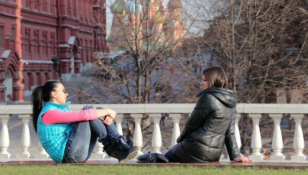 Теплая погода в Москве. Архивное фото