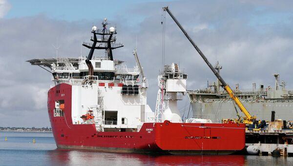 Австралийский корабль Ocean Shield, направленный на поиски черных ящиков пропавшего малайзийского самолета