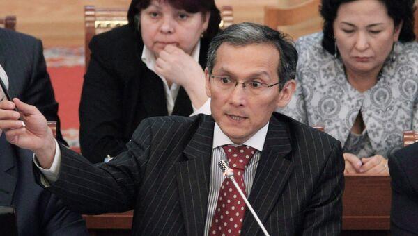 Премьер-министр Джоомарт Оторбаев. Архивное фото