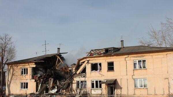 На месте обрушения дома в поселке Конезаводском Омской области