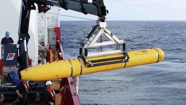 Автономный подводный аппарат Bluefin-21, с помощью которого ищут черные ящики пропавшего малазийского Boeing, 14 апреля 2014