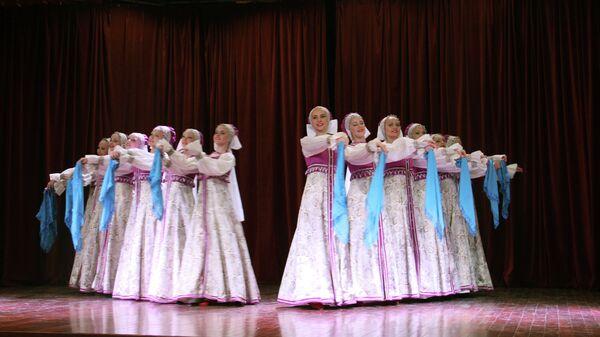 Концерт детского танцевального ансамбля Радуга из Ставрополя в Индии
