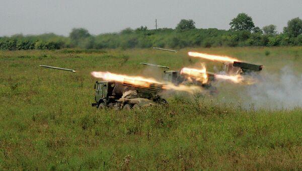 Ракетные установки Град на огневом рубеже, архивное фото