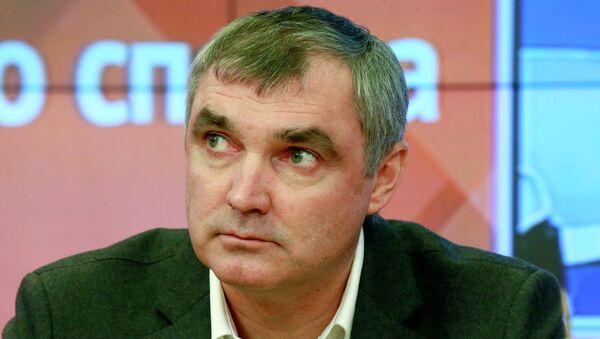 Леонид Мельников. Архивное фото