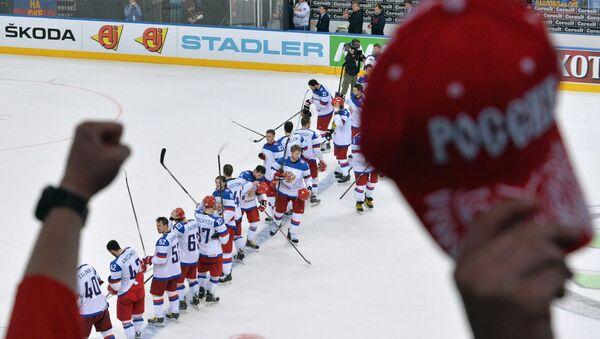 На фото: хоккеисты сборной России после полуфинального матча чемпионата мира