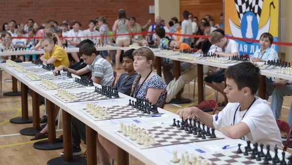 Участники шахматного турнира среди школьников Белая ладья. Архивное фото