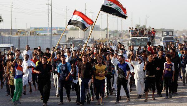 Волонтеры, которые присоединились к армии для борьбы с исламистами в Ираке, Архивное фото