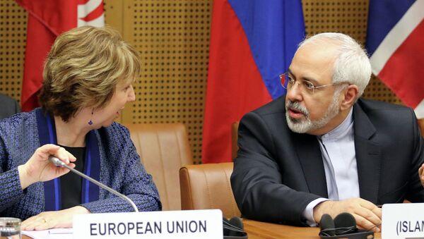 Мохаммад Джавад Зариф и Кэтрин Эштон на переговорах в Вене. 18 июня 2014