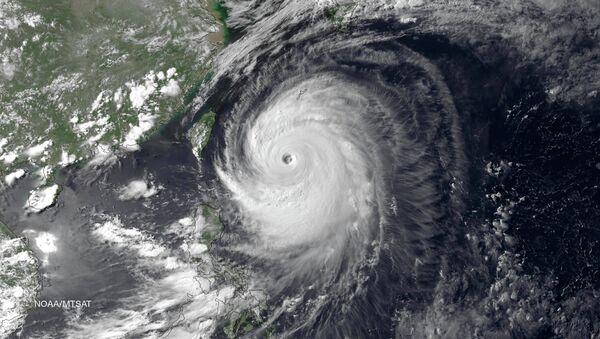 Тайфун Ногури в Тихом океане