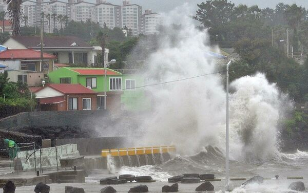 Тайфун Ногури в Японии