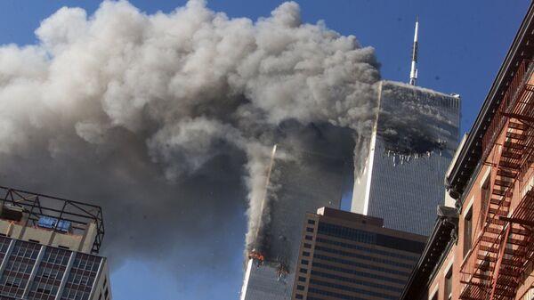 Теракт в Нью-Йорке. 11 сентября 2001 года. Архивное фото