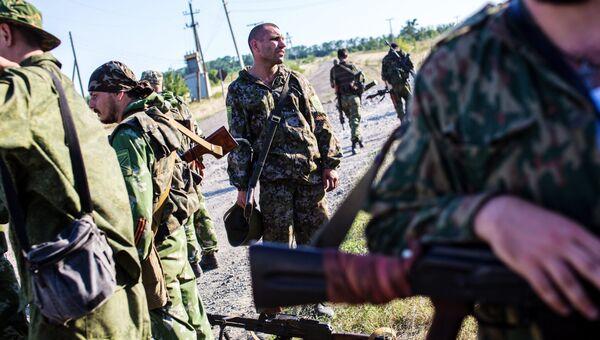 Бойцы народного ополчения неподалеку от села Мариновка