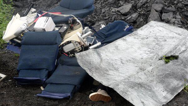 Обломки лайнера Boeing 777 Малайзийских авиалиний. Архивное фото