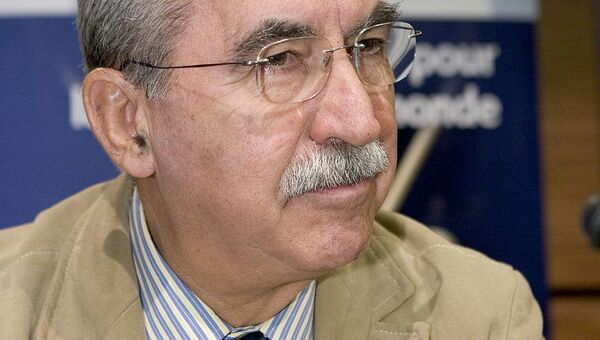Итальянский журналист и политический деятель Джульетто Кьеза. Архивное фото