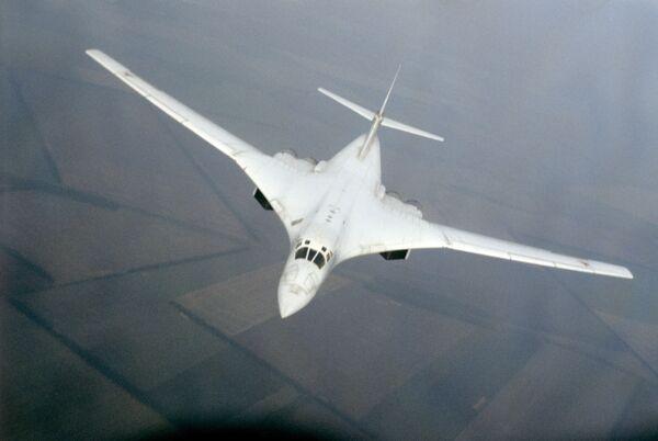 Сверхзвуковой стратегический бомбардировщик Ту-160
