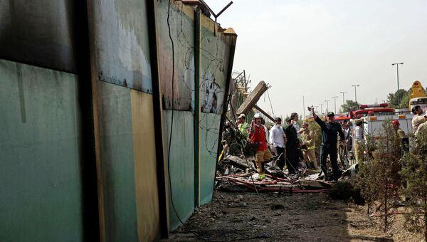 На месте крушения самолета в Иране