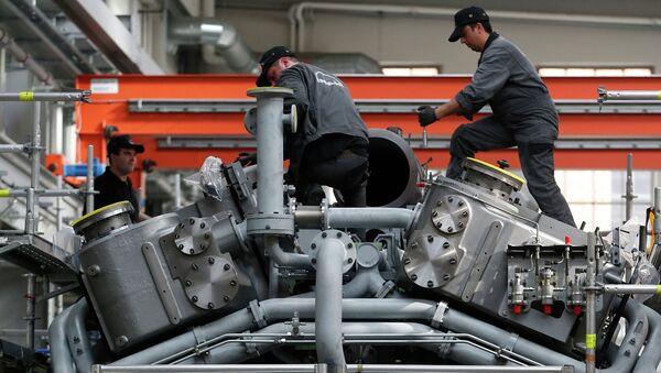 Работа машиностроительного завода в Германии. Архивное фото