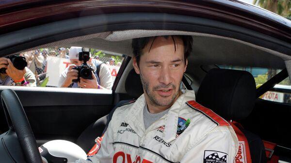 Актер Киану Ривз готовится к гонке случае Toyota Гран-при Лонг-Бич Indy Car