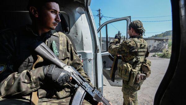 Ополченцы ДНР в Петровском районе Донецка