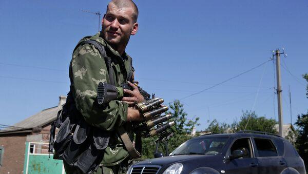 Ополченец в поселке Грабское Донецкой области. 31 августа 2014