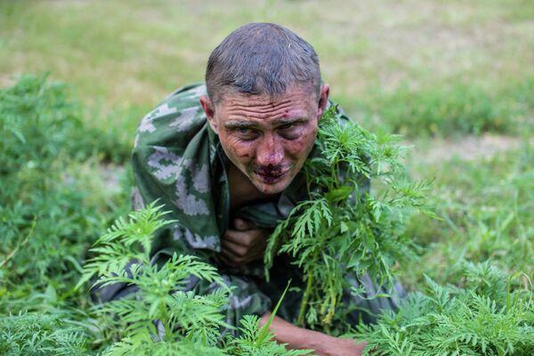 Раненый украинский военный в Донецкой области