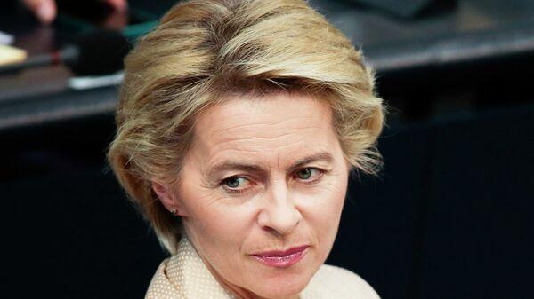 Медведев поздравил Урсулу фон дер Ляйен с избранием на пост председателя ЕК