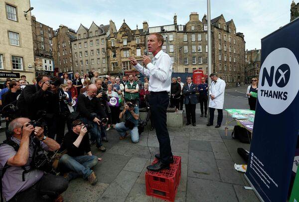 Джим Мерфи участвует в акции сторонников единства Шотландии