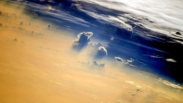 Вид из МКС: Облака на закате