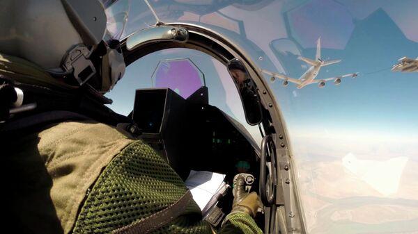 Самолет ВВС Франции в небе на Ираком. Архивное фото