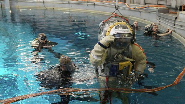 Ученый рассказал, что кандидатов в космонавты пока не будут отбирать по ДНК