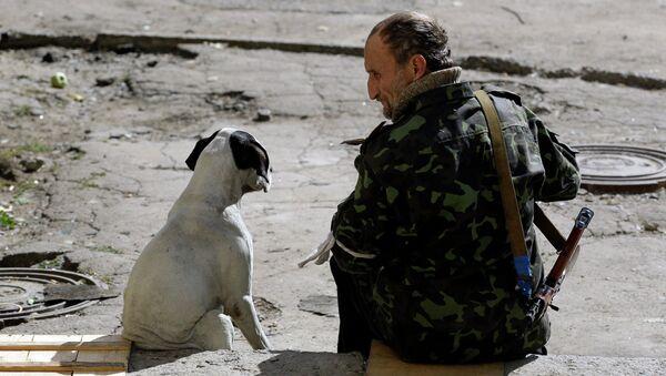 Боец ополчения возле Донецка. Архивное фото