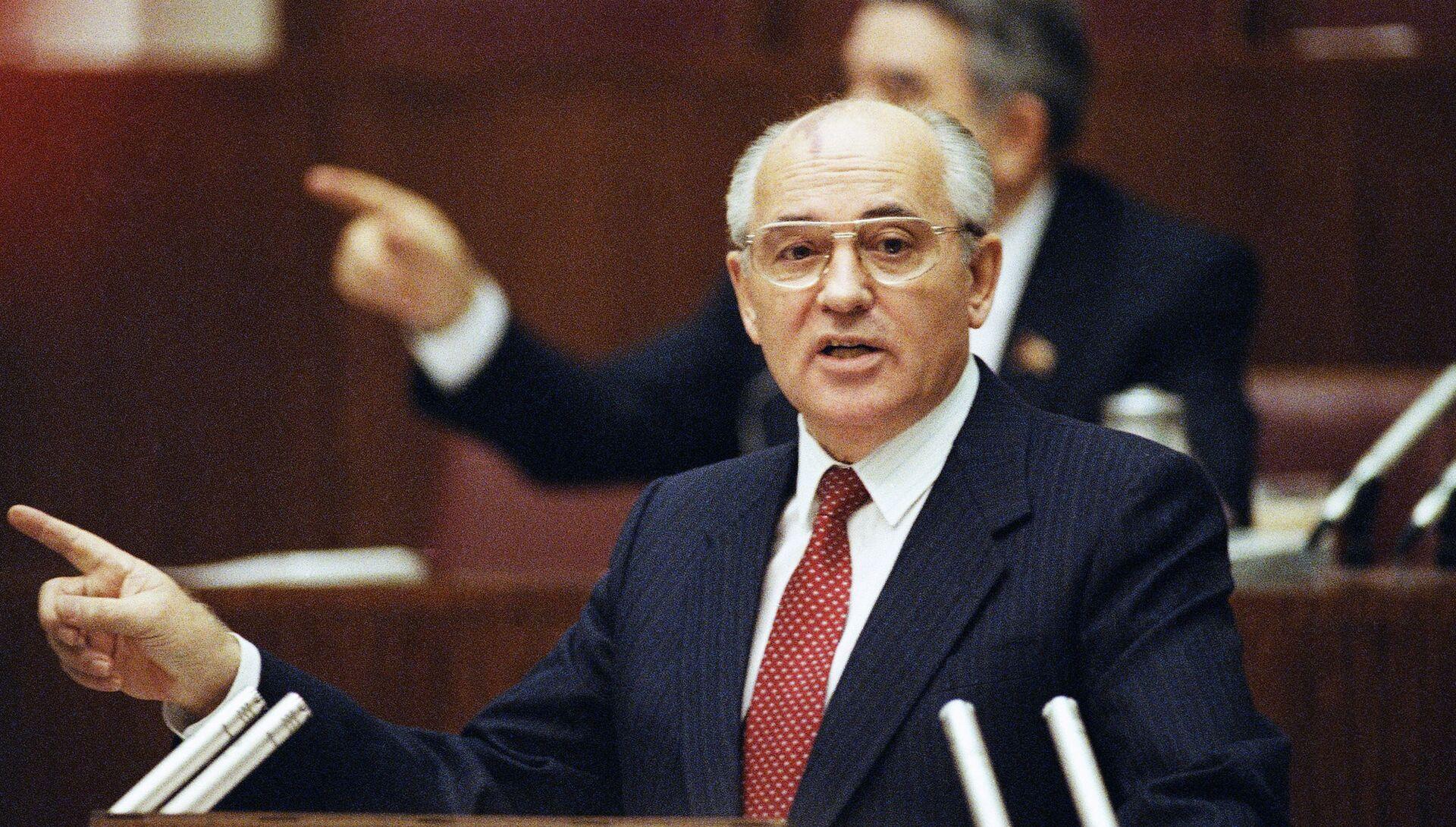 Президент СССР Михаил Горбачев - РИА Новости, 1920, 02.03.2016
