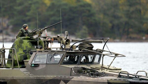 Военный ВМФ Швеции на страже в водах Стокгольмского архипелага