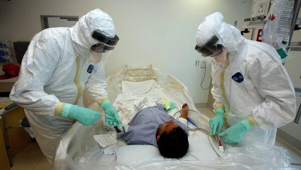 Обучение врачей работе с больными вирусом Эбола в медицинском центре Лос-Анджелеса