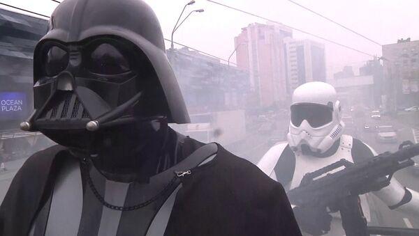 Дарт Вейдер проехал по улицам Киева в преддверии выборов в Раду