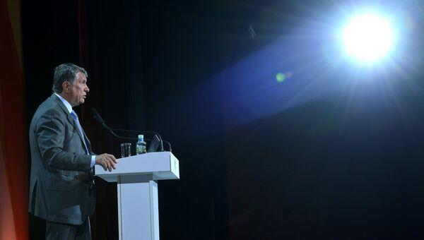 Президент нефтяной компании Роснефть Игорь Сечин. Архивное фото