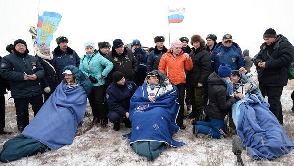 Союз ТМА-13М приземлился в Казахстане